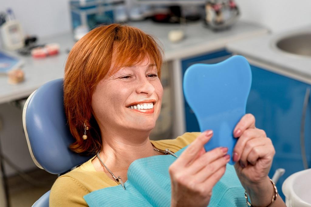 השתלת שיניים – מה חשוב לדעת לפני שיוצאים לדרך?