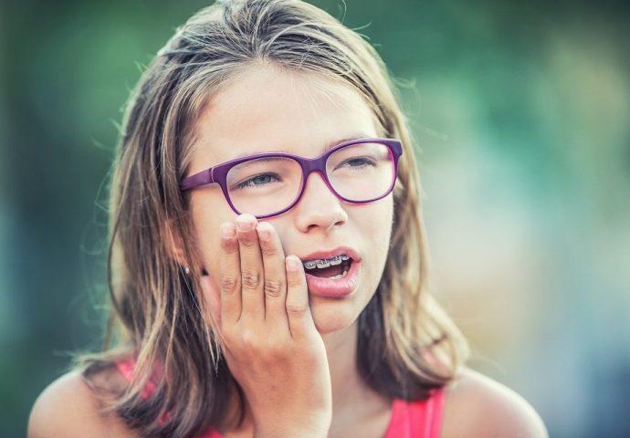 טיפולי שיניים חינם לילדים עד גיל 18